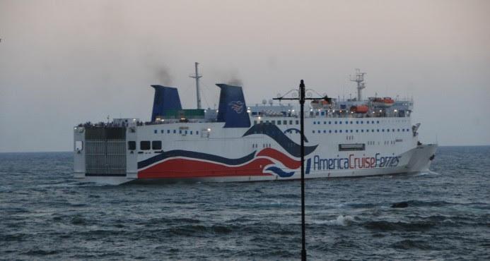Autoridades PR confiscan medio millón dólares en el Ferry