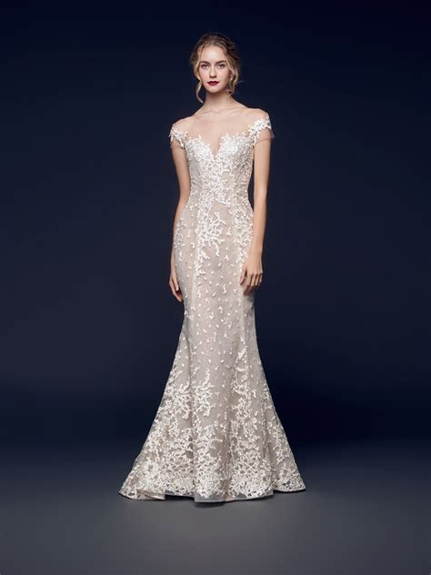 38 Incredibly Romantic and Elegant Wedding Gowns For The
