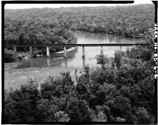 2.  AERIAL VIEW FROM SOUTH CAROLINA SIDE, LOOKING WEST - Seaboard Coast Line Railroad Bridge, Spanning Savannah River, Calhoun Falls, Abbeville County, SC