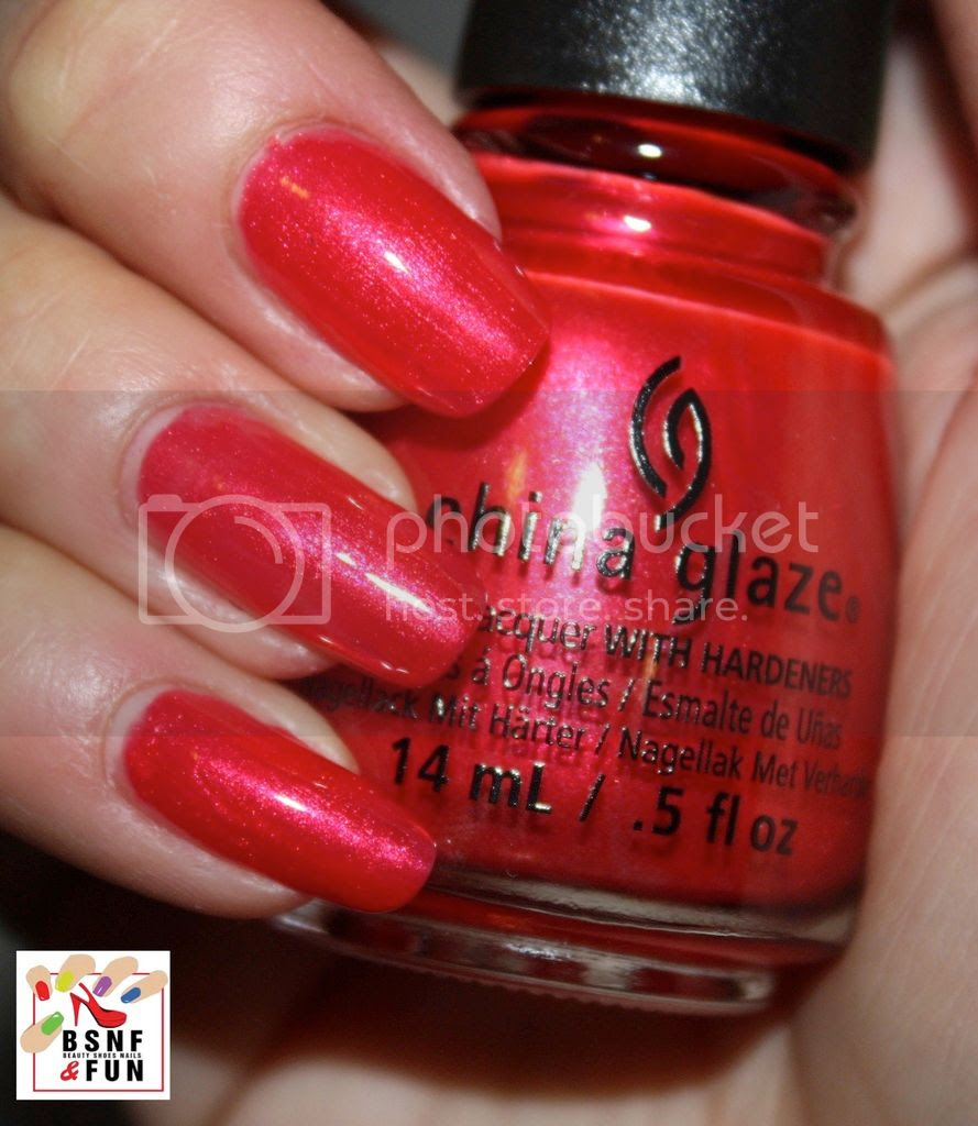 photo China Glaze Cheers-7_zpsp4tbn038.jpg
