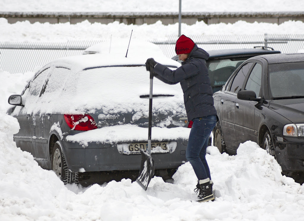 How to dig out your car after a snow storm