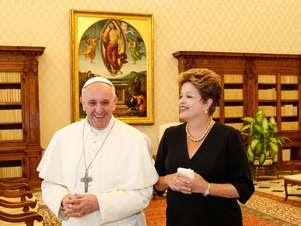 Dilma Rousseff foi a segunda chefe de Estado a se encontrar com o novo papa Foto: Roberto Stuckert Filho / Agência Brasil