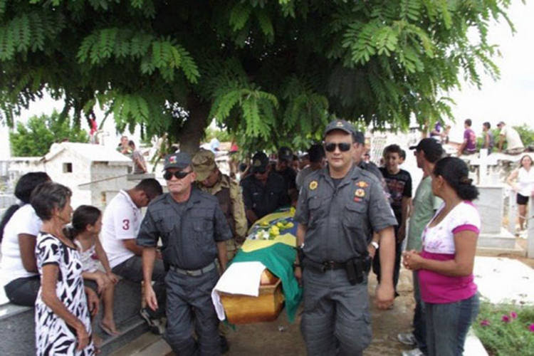 Grupo rouba carro no RN e mata policial no Ceará