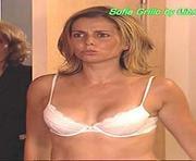Sofia Grillo sexy em lingerie na novela Tempo Viver