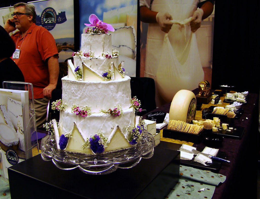 DSC04327 Cypress Grove brie cake display