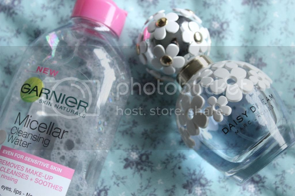 photo PerfumeampMakeup.jpg