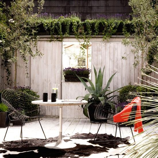 Small decked garden   Contemporary gardens   Garden designs   PHOTO GALLERY   Housetohome