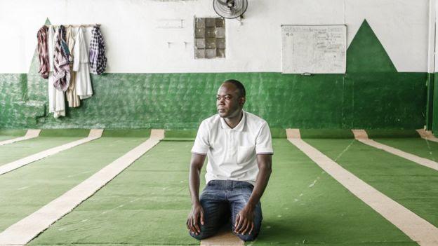 Senegalês Papa Ba estudou passado escravagista do Brasil antes de se mudar para o país