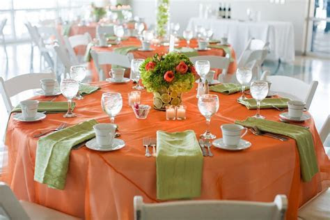 Table decor in orange and lime green   Orange & Lime in
