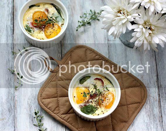 Baked eggs 2