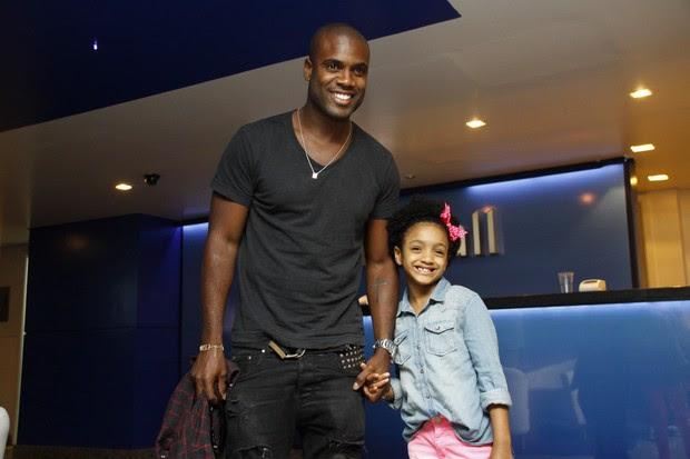 Show das Poderosinhas - Rafael Zulu e a filha (Foto: GRAÇA PAES/PHOTO RIO NEWS)