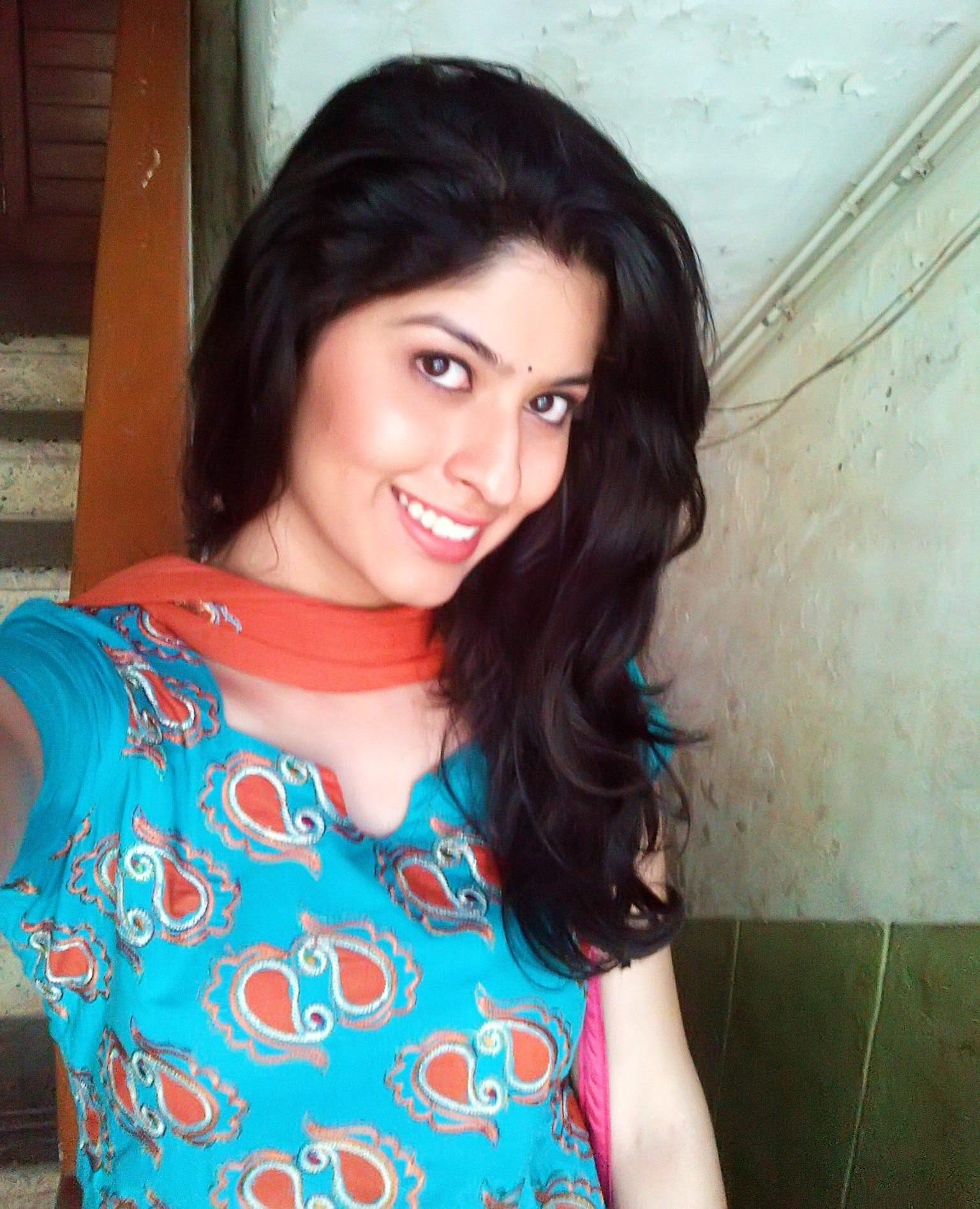 Mukta In Lagori Maitri Returns – Abhidnya Bhave