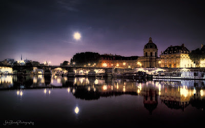 Moonrise Over Pont des Arts Paris - John Brody Photography - johnbrody.blogspot.com - johnbrody - JohnBrody.com - John Brody - JohnBrodyPhotography