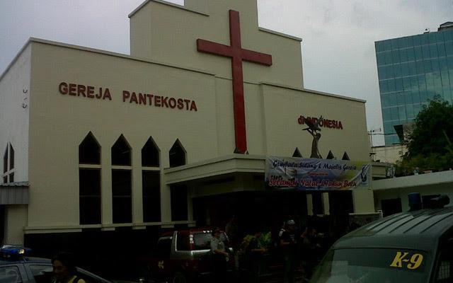 Sterilisasi Gereja Jelang Natal