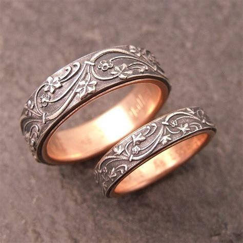 Art Deco Ivy wedding band set in sterling silver. Lined in