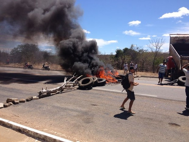 protesto da BR-316 em Parnamirim (Foto: Allan Sampaio/Arquivo pessoal)