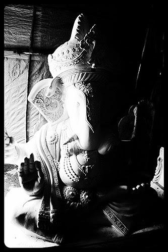 Sukh Karta Dukhharta Varta Vighnachi Noorvi Poorvi Prem Krupya Jayachi Sarwangi Sundar Utishendu Rachi Kanthi Jhalke Maad Mukhta Padhanchi by firoze shakir photographerno1