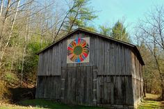 I love quilt blocks painted on barns!
