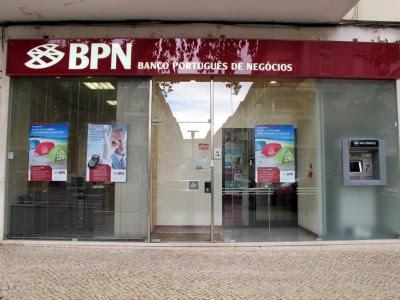 """Franquelim Alves, escutado pela comissão de inquérito ao BPN, reconheceu ter tido conhecimento que contas do grupo BPN estavam falseadas mas nada ter feito para comunicar fraude ao Banco de Portugal. // Bloco não vai permitir """"muro de silêncio"""" sobre BPN"""