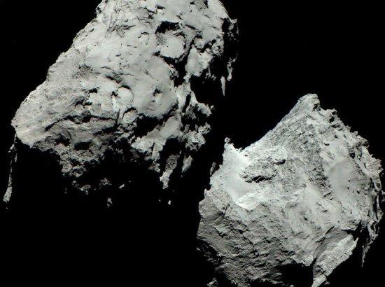 Mesmo em cores, cometa 67P é cinza
