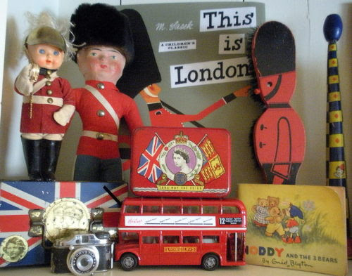 Cheerio Old Mates…Today I have a British accent, as I am preparing for the Hugglets Kensington Bear show in London Town. I have gone twice before and am so excited to be returning. Sadly, my playmate, Pat Murphy cannot attend this year and she will be truly missed…but…this means, more crumpets for me. Fortunately, I will be partnering up with my good friend Marjan Jorritsma fom Holland. I will keep you all posted as to what I am making over the weeks to come.  Have Jolly Olde England Fun, Jody