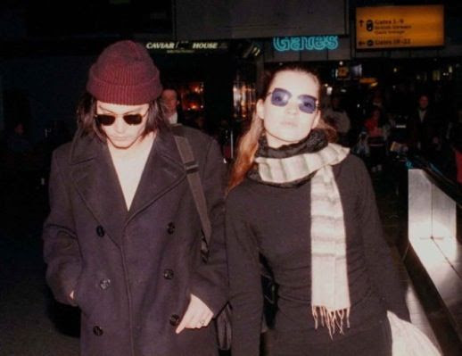 LE FASHION BLOG JOHNNY DEPP KATE MOSS JOHNNY AND KATE INSPIRATION TINTED SUNGLASSES SCARF SWEATER BEANIE PEA COAT 25