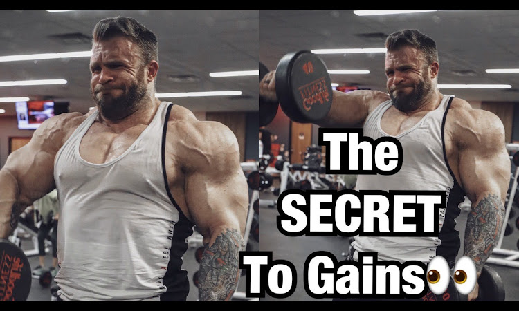 365lbs SHOULDER PRESS!?!   Bulking Tips And Shoulder Workout With Iain V...