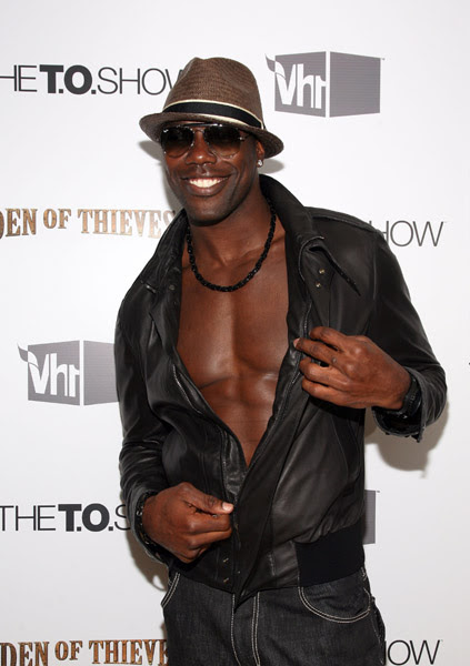 terrell owens body fat. Terrell Owens decided to show