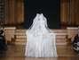 O vestido de noiva de Yiqing Yin, com suas estruturas e tramas, mostra um trabalho conceitual - que deve se restringir à passarela Foto: Getty Images