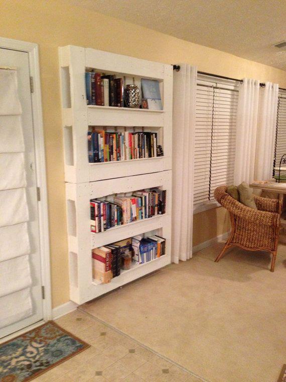 Reclaimed Wood Pallet Book Shelf