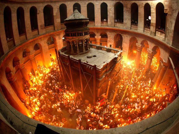 Αποτέλεσμα εικόνας για Άγιο Φως: Μια μοναδική ιστορική μελέτη
