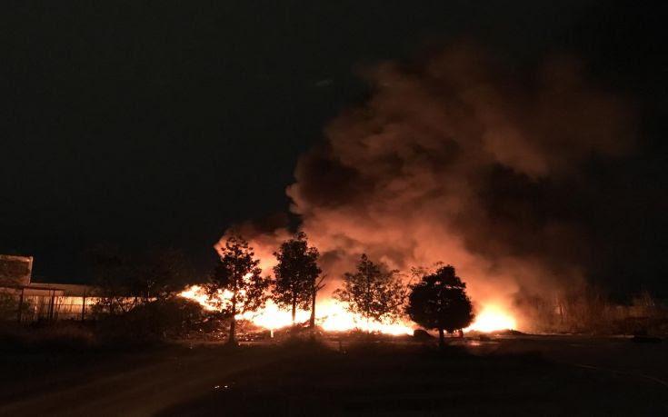 Εκτός ελέγχου η πυρκαγιά στα Ορθωνιά Ζακύνθου