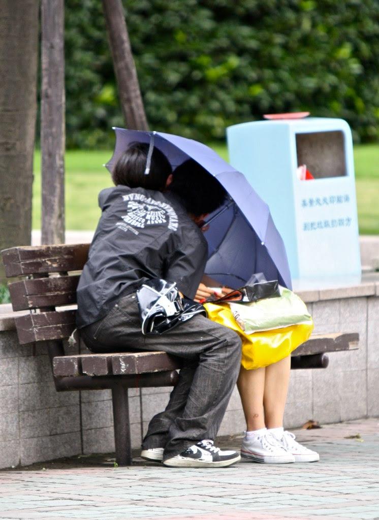 Gli innamorati sotto l'ombrello - Letychicche