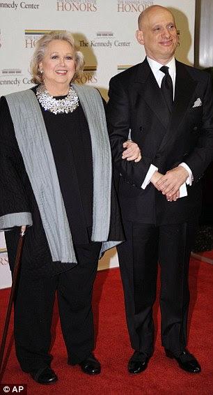 Noite especial: Também foi homenageado Grammy-winning jazz americano Sonny Rollins saxofonista tenor, que chegou com um amigo, e Broadway estrela Barbara Cook que trouxe seu filho