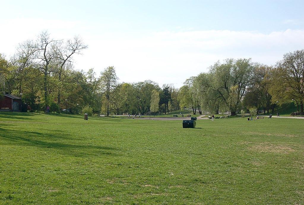 Fredhällsparken Stockholm vår a 20060512.jpg