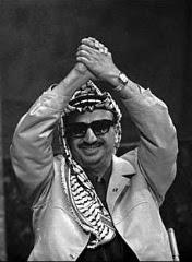Arafat dopo il suo discorso al palazzo di vetro dell'ONU