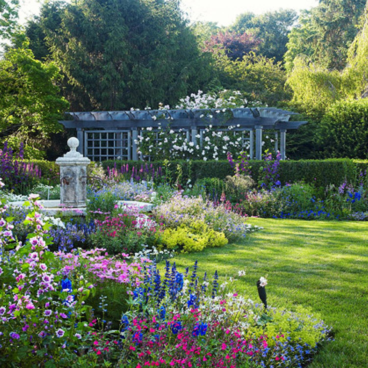 English-Style Garden in the Hamptons   Traditional Home