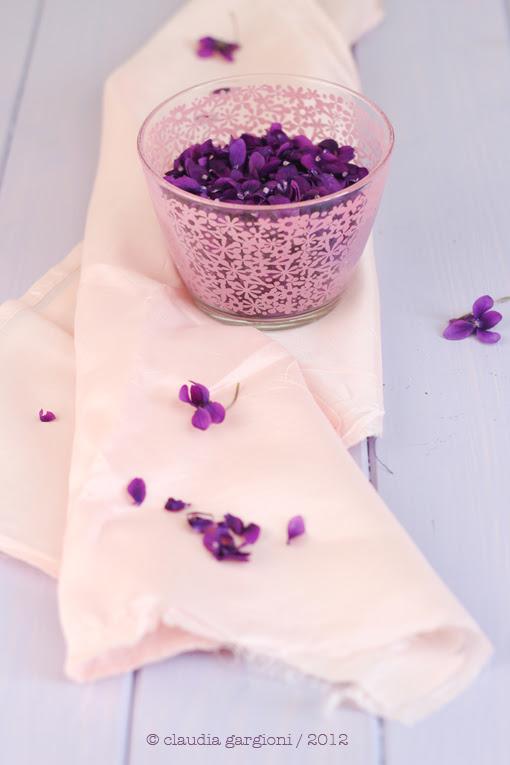 Liquore alle violette