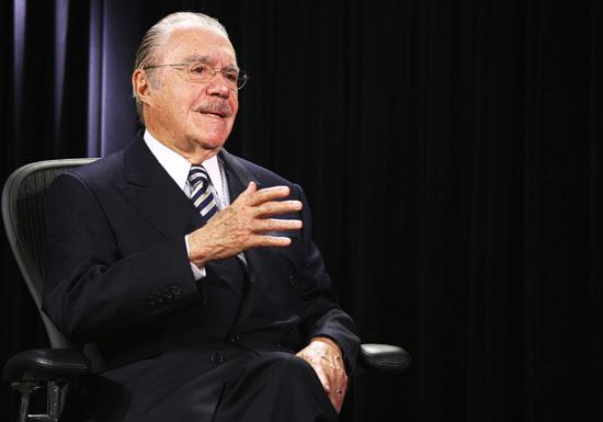 O presidente do Senado, José Sarney, durante entrevista, em Brasília