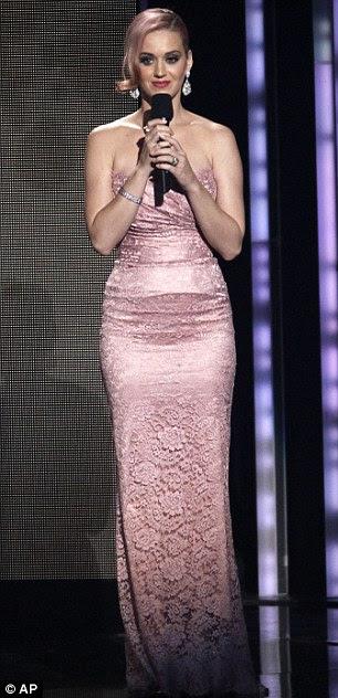 Realização: Nicki Minaj foi nomeado para novo artista e melhor álbum de rap, enquanto Katy Perry foi honrado com uma indicação para seu LP de fogos de artifício no álbum de prestígio da categoria no ano