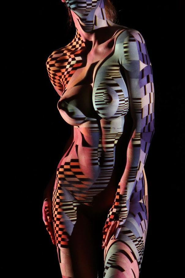 retratos-mujeres-desnudas-luz-colores-dani-olivier (4)
