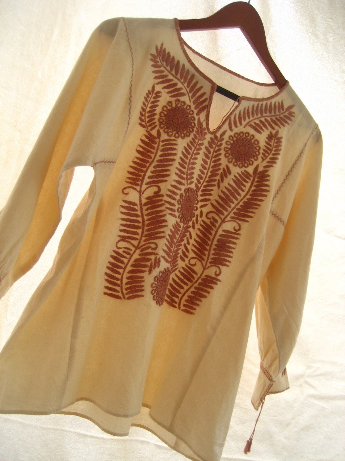 Mexican Embroidered Dress Tunic BOHEMIAN CHIC blouson Color Natural Beige Embroidery pale peach size L