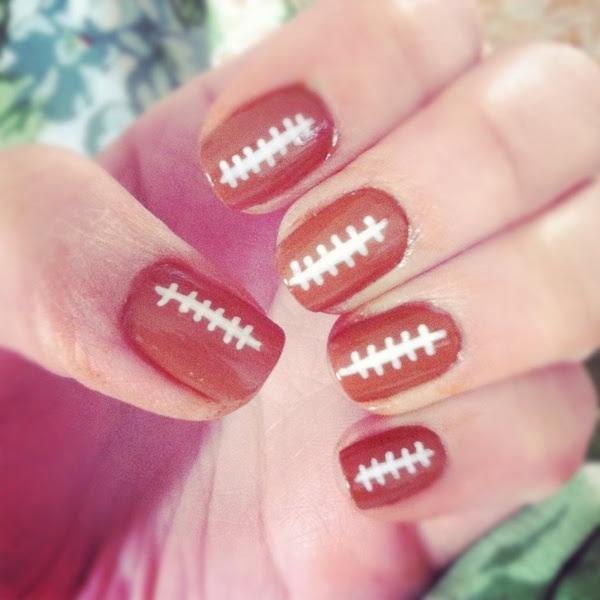 Football nails - awesome idea for football season