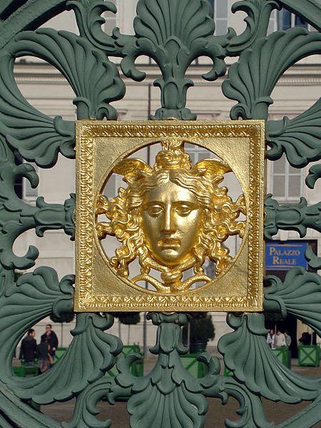 Archivo: Medusa Palacio Real Turin.jpg
