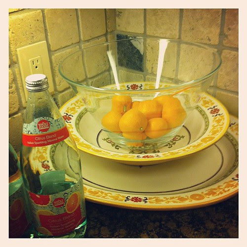 {day 2: Fruit} Clementines! & Grapefruit Sparkling Water #marchphotoaday