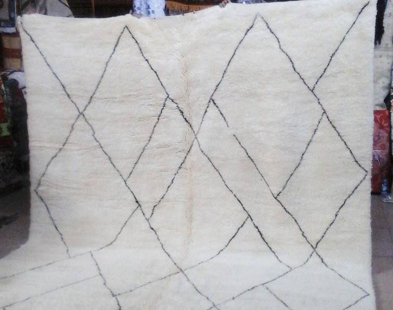 artisanat marocain de marrakech comment entretenir un tapis beni ouarain. Black Bedroom Furniture Sets. Home Design Ideas