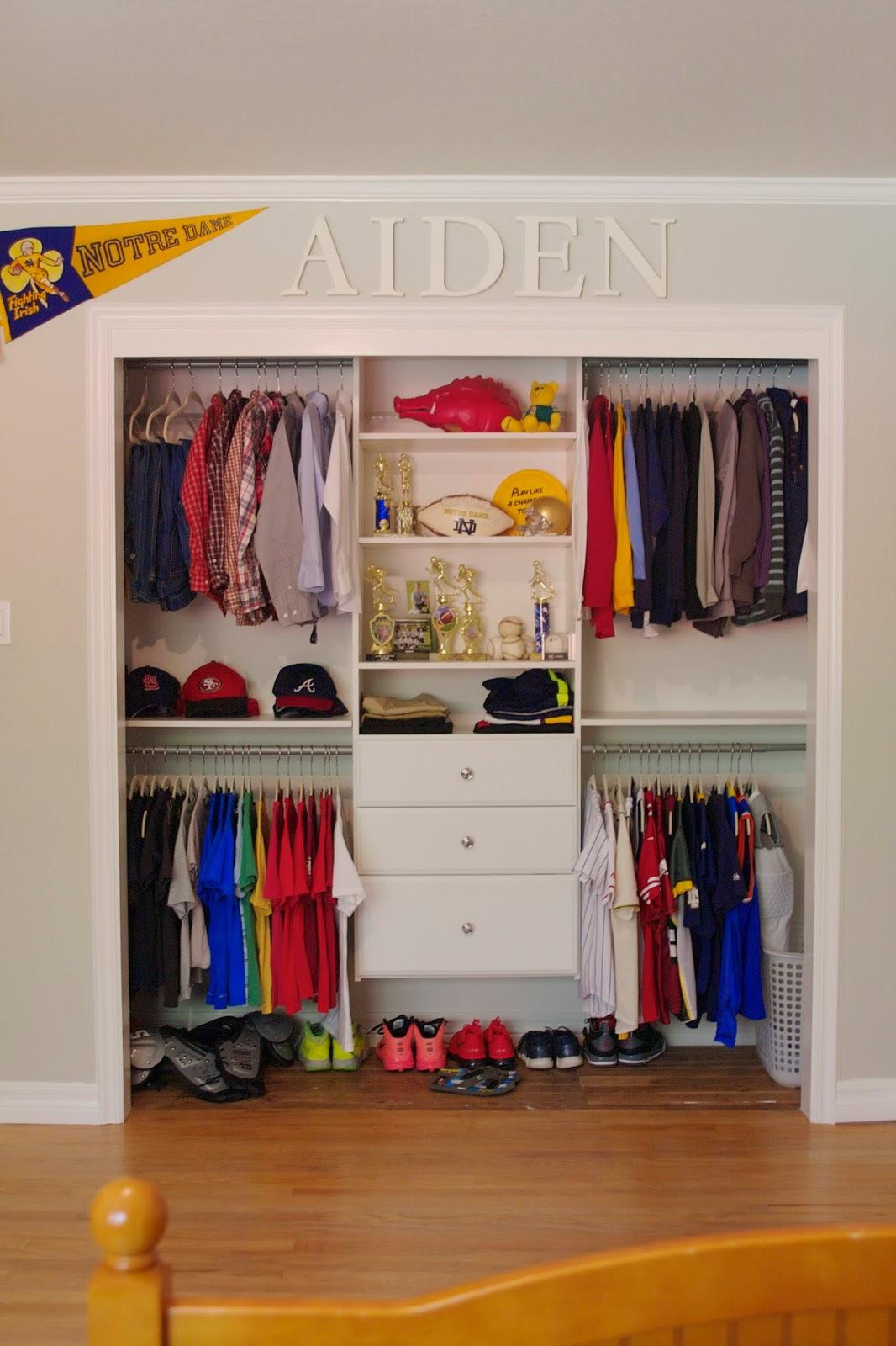 Update: Tween Boy Bedroom - simply organized