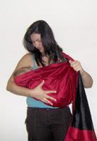 Θηλασμός με ring sling, τέλεια τοποθέτηση στην κατάλληλη θέση