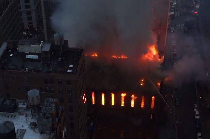 Στις φλόγες τυλίχθηκε ορθόδοξη εκκλησία ανήμερα του Πάσχα