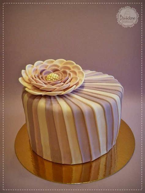 Elegáns virágos torta / Elegant flower cake   Cake